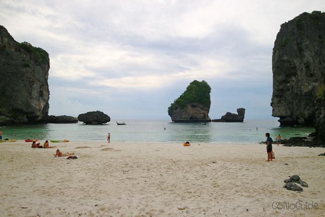หาดนุ้ย เกาะพีพีดอน