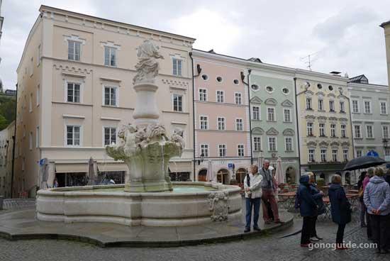 น้ำพุกลางเมือง Passau