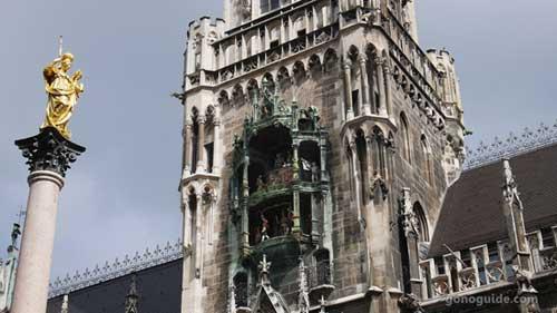 Glockenspiel ที่ Marienplatz
