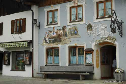 บ้านเพนท์ลาย Mittenwald