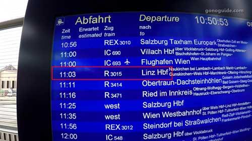 Attnang-Puchheimไป Linz