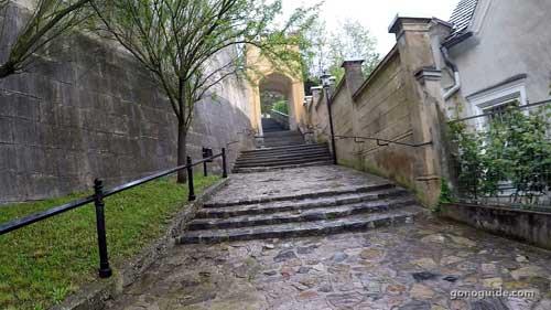 ทางเดินไป Melk Abbey