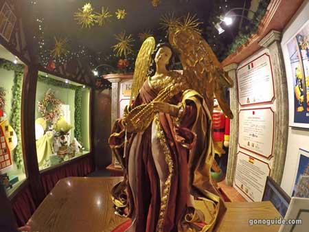 ภายใน Christmas Museum