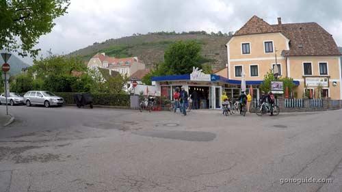 ขี่จักรยานเที่ยว Spitz