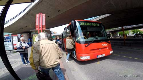 Bus 29 ไป Devin Castle