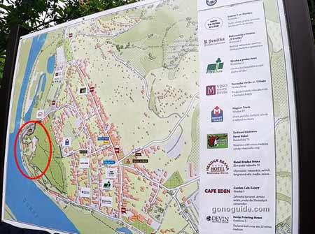แผนที่บริเวณ Devin Castle